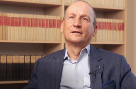 André Kuy, Vorsitzender der Foundation-Kommission im Distrikt 2000